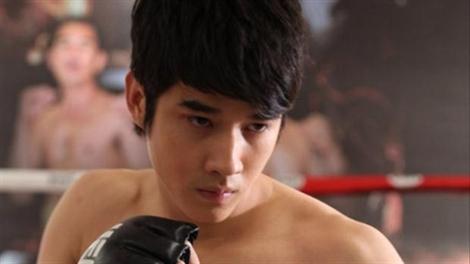 Hot boy Thái Marior Maurer khoe bo-đì cực hot