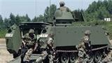 Mang xe thiết giáp đòi nợ 86.000 USD