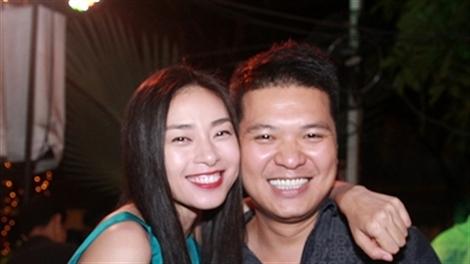 Ngô Thanh Vân ăn tiệc cùng đạo diễn 'Hương Ga' đêm Halloween