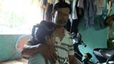 Chết lặng thấy con 8 tuổi bị hiếp ở nhà vệ sinh