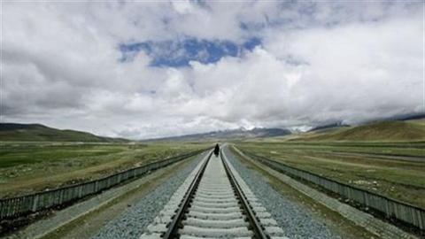 Trung Quốc xây đường sắt áp sát biên giới Ấn Độ