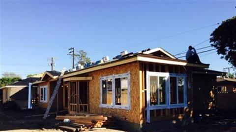 Bằng Kiều xây biệt thự gỗ hoành tráng ở Mỹ