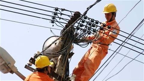 Nhập điện từ Trung Quốc: Bộ trưởng nói khác EVN