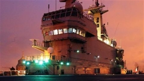 Nội bộ Pháp thúc ép giao tàu đổ bộ Mistral cho Nga
