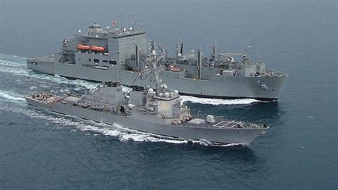 Tàu Mỹ từng đến Cam Ranh đâm nhau trên Vịnh Aden