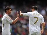 Alonso bỗng nhiên khen ngợi Ronaldo tới tấp