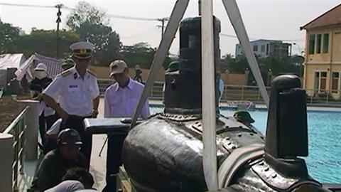 Tàu ngầm mini Việt và bài học sức dân của Israel