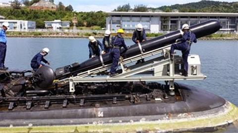 Malaysia muốn răn đe ai khi phóng ngư lôi hạng nặng?