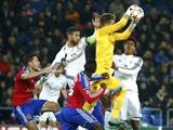 """Màn trình diễn dưới sức của """"Kền kền trắng"""": Lập kỷ lục, Ancelotti vẫn không vui"""