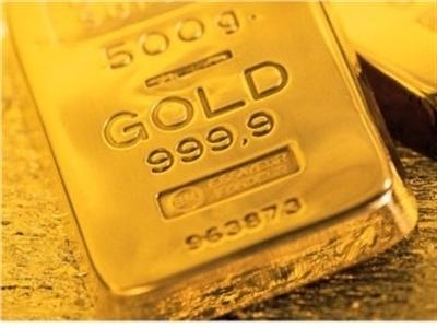 Giá vàng thấp nhất 2 tuần khi USD mạnh lên, giá dầu rơi tự do