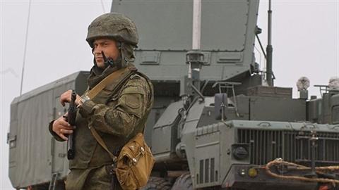 Nga bắt đầu thực hiện triển khai vũ khí tại Crimea