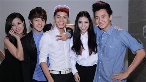 'Gia đình văn hóa' nổi tiếng của showbiz Việt