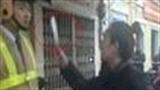 Clip cô gái hung hăng rút dao đòi chém CSGT