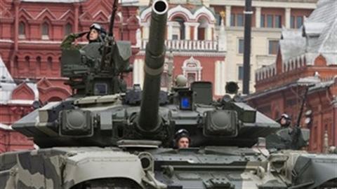 Kinh tế suy thoái, Nga đốt tiền kỉ lục cho quân sự