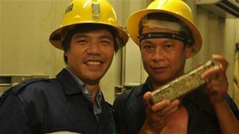 Đào vàng kêu lỗ: Đề xuất đóng cửa hai mỏ vàng!