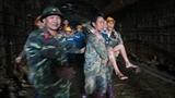 Chiến sĩ công binh cứu dân bị sập hầm thủy điện