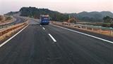 Vá xong vết nứt cao tốc Nội Bài-Lào Cai sau... 2 tháng