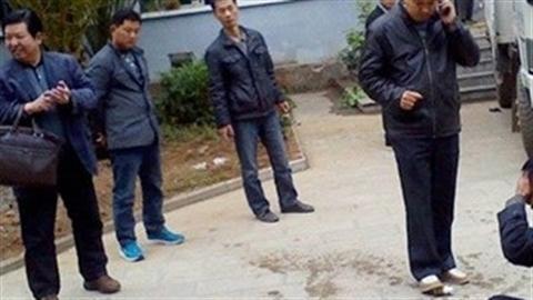TQ: Quan huyện cười khẩy cổ vũ công nhân tự tử