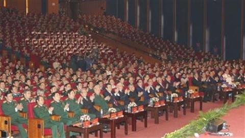 Chủ tịch nước nói với quân đội về bảo vệ chủ quyền
