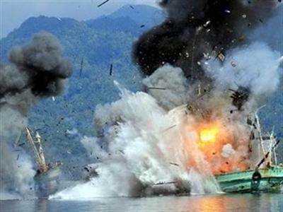 Indonesia cho nổ tung 2 tàu cá Thái Lan