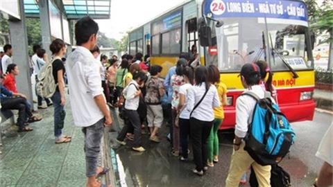 Xe buýt riêng cho nữ: Hà Nội thừa nhận kém văn minh