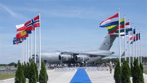 Nga-NATO đoạn tuyệt, châu Âu phải 'suy nghĩ 2 lần'
