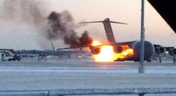 Clip: Siêu vận tải cơ C-17 Mỹ bốc cháy kinh hoàng