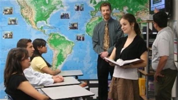 Kiểm tra lòng yêu nước của học sinh trước khi tốt nghiệp