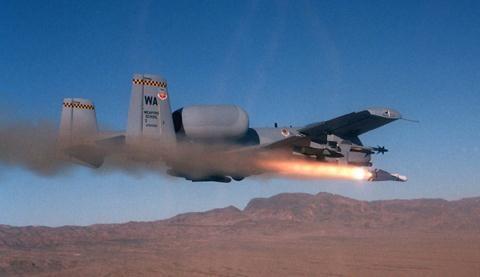 Cường kích A-10 sắp nghỉ hưu vẫn chứng minh được khả năng