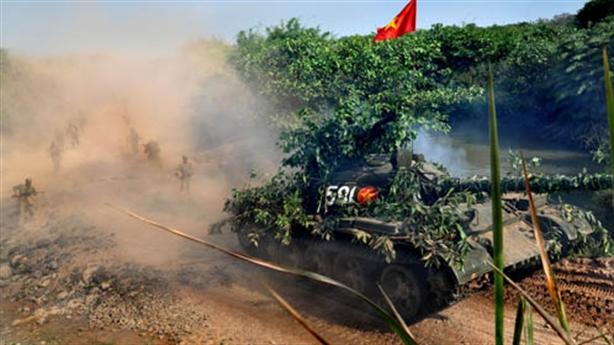 Hình ảnh Quân đoàn 4 tiêu diệt lực lượng địch
