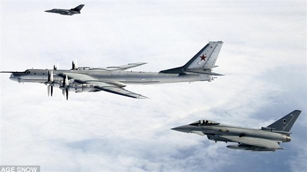Nga tiếp tục dụng chiêu bên miệng hố chiến tranh với Anh