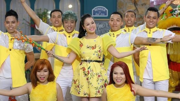 Nhật Kim Anh thuê phim trường lớn để thực hiện MV xuân