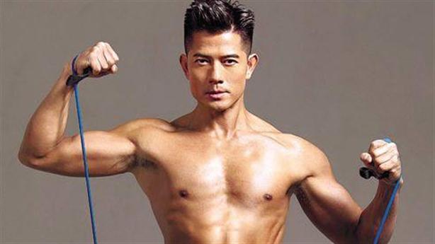 Quách Phú Thành luyện cơ bắp cho vai Tôn Ngộ Không