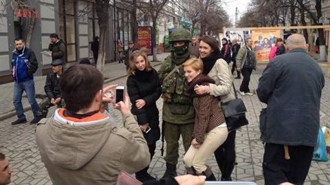 """Mỹ-EU-Ukraine bất lực nhìn Putin diễn vở """"Mùa xuân Crimea"""""""