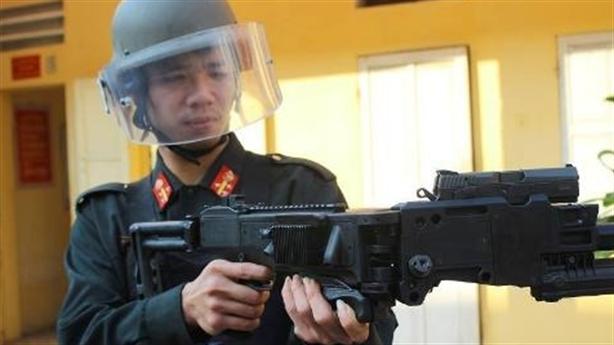 Trung Quốc 'choáng': CSCĐ Việt Nam dùng 'Súng bẻ góc' Israel