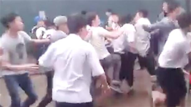 Kỷ luật 36 học sinh dàn trận đánh nhau như giang hồ