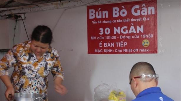 Tịch thu biển hiệu 'Bún bò gân': Nhí nhố, phản cảm