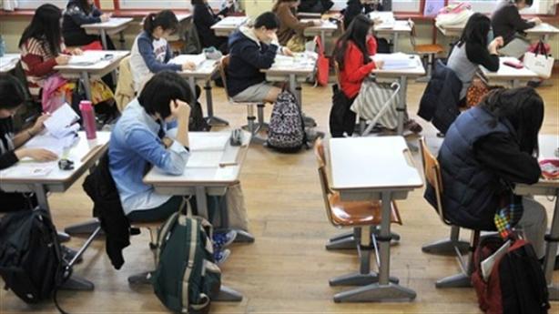 Học sinh Hàn bất mãn vì học tiếng Anh nặng ngữ pháp
