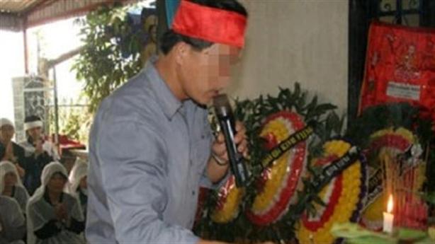 """Khóc thuê là một trong những nghề """"đáng sợ"""" nhất Việt Nam!"""
