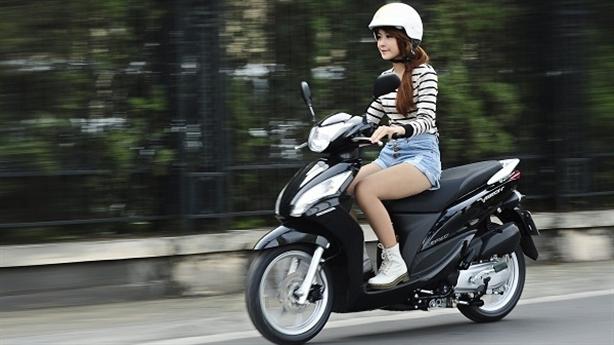Honda Vision hay Yamaha Nozza: Chọn cái nào là phù hợp?