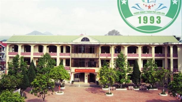 Hiệu trưởng tự ý đốn 24 cây xanh trong trường
