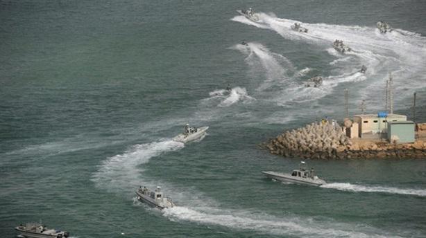 Nóng tại eo Hormuz: Iran nổ súng bắt tàu Mỹ