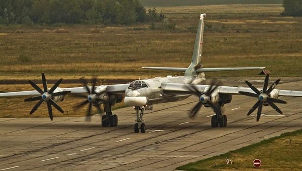 Nghi oanh tạc cơ Nga xâm nhập Mỹ: Im lặng khó hiểu