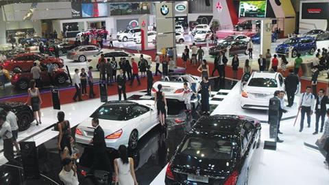 Giá ô tô giảm từ từ nhưng có còn hơn không
