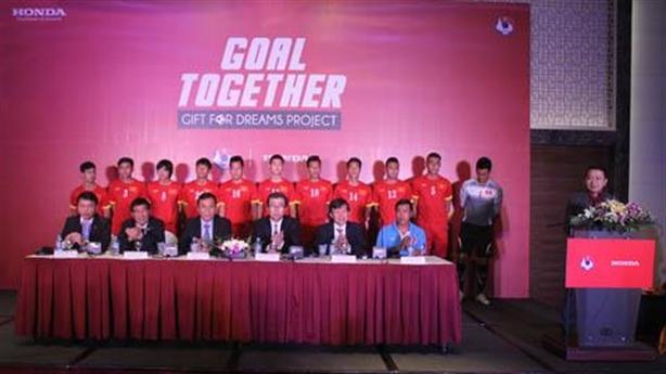 Honda VN hứa tặng xe bất kì cho cầu thủ U23