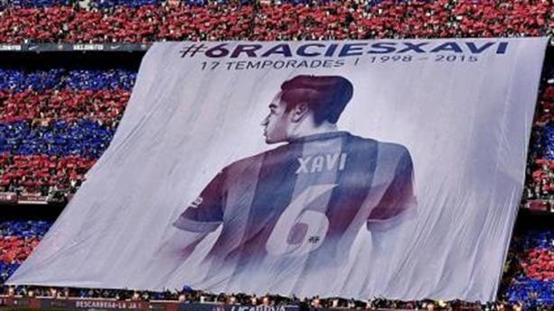 Video: Barcelona - Deportivo: Tôn vinh huyền thoại Xavi