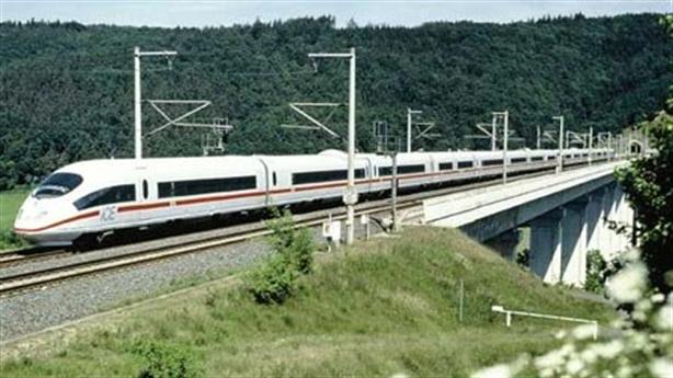 Đường sắt cao tốc Bắc - Nam: Đừng làm theo cách lãng phí
