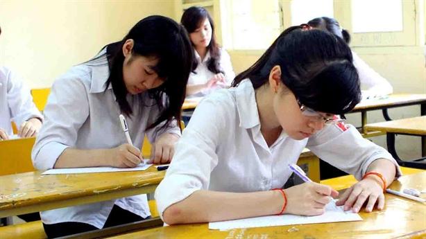 Việt Nam phù hợp khi tổ chức thi đầu ra Đại học?