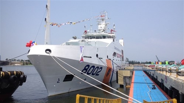 Cảnh sát biển tiếp nhận hai tàu cỡ lớn