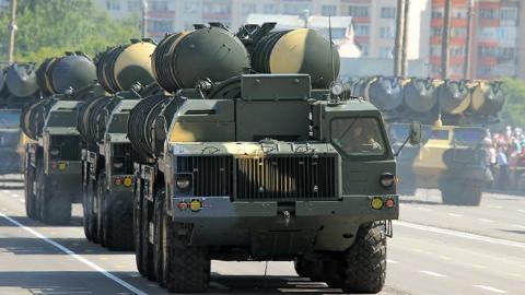 Nga sốt sắng với Iran: 'Miếng bánh' vũ khí sau vụ S-300
